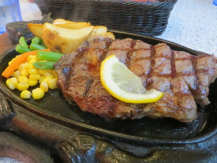 美味しそうなステーキ肉